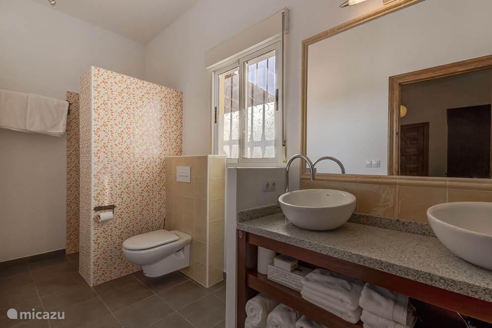 Badkamer 1 appartement Granada