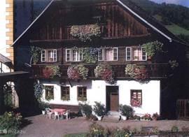 Alpentraum in de zomer met de prachtige geraniums.