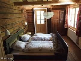 De authentieke slaapkamer op 1ste verdieping.