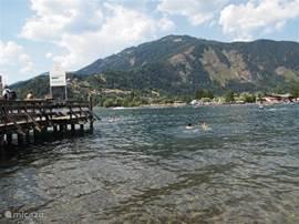 Lekker zwemmen met prachtig uitzicht, in het warme water van de  Milstattersee.