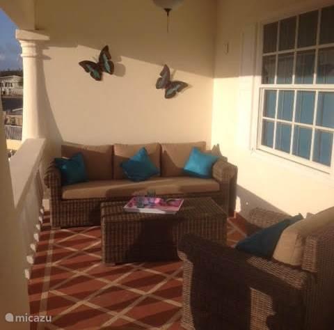 heerlijke loungeset op het balkon