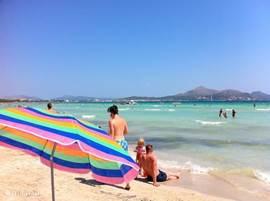 Het strand van Alcudia...