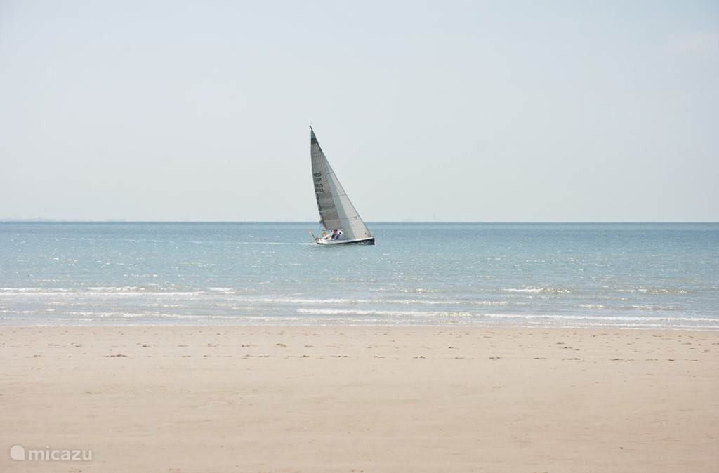 Strand (op 4 km afstand)