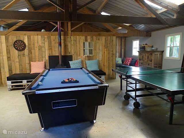 Chillhuis met sauna, tafeltennis, poolbiljart
