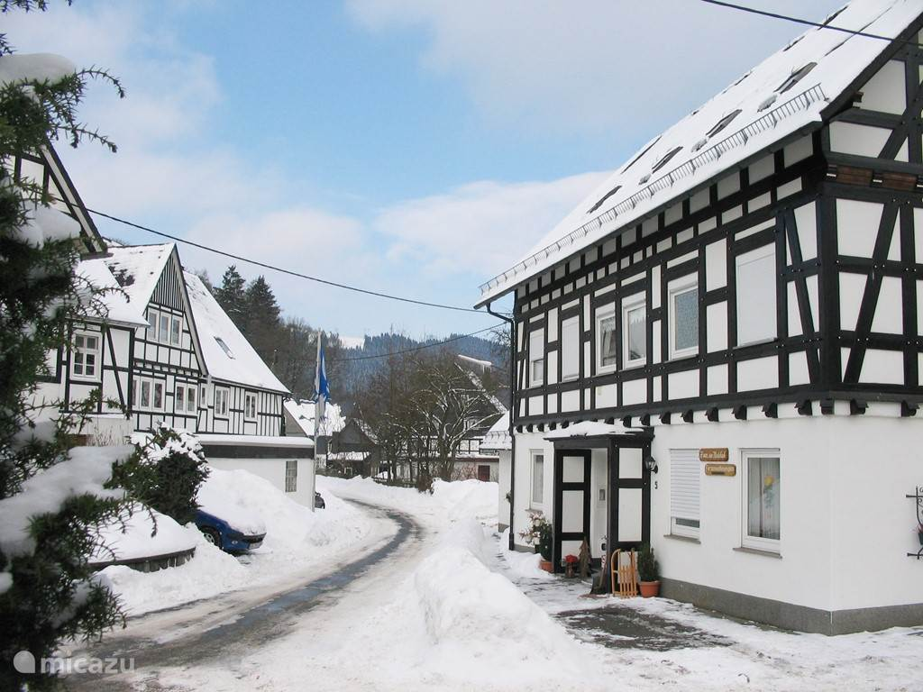 Haus am Medebach has 4 apartment. In total there are 14 beds ideal starting point for example your family weekends each his privacy and yet under one roof. Question for you to permanently reserve availability and a free ALL-IN quote.