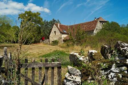Vacation rental France, Lot, Carayac farmhouse The Barn - Wifi and private pool