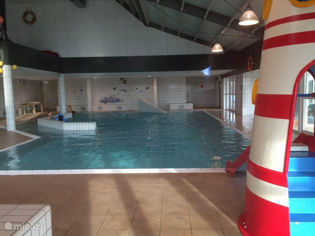 zwembad verwarmd dus ook in de winter lekker zwemmen