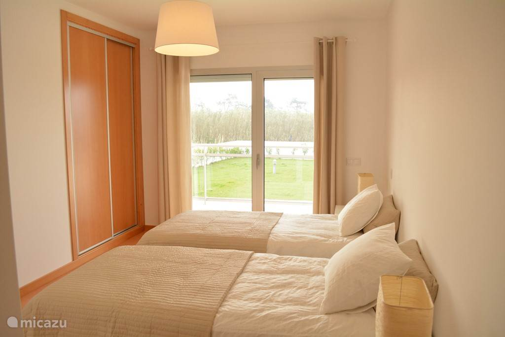 slaapkamer 2 appartement 1