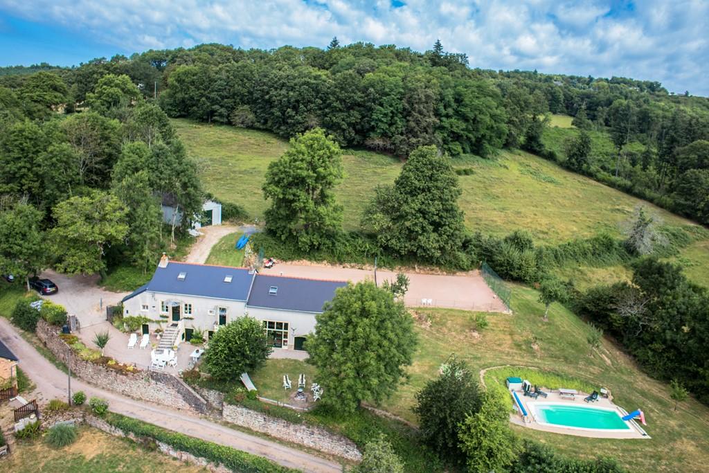 13P vak.boerderij in fr. met prachtig uitzicht over bergen met kerst 22 t/m 29 dec met 25% korting (totaal € 750,00).