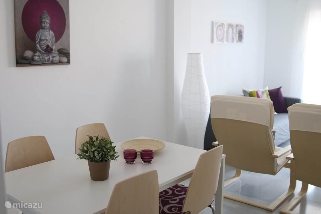 Eetgedeelte appartement Burriana BUR01