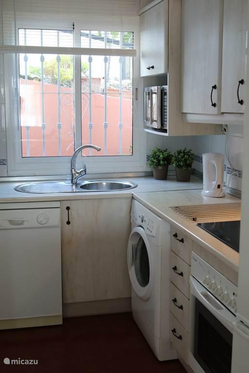 Keuken appartement Burriana BUR01
