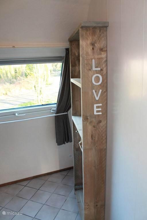 Tweede Love kamer 2 . ook met kast ruimte