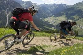For walkers, cyclists and / or mountain bikers is a paradise. The environment ensures that this holiday is very special.