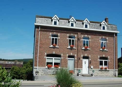 Vacation rental Belgium, Ardennes, Forrières holiday house Detached House Sabot