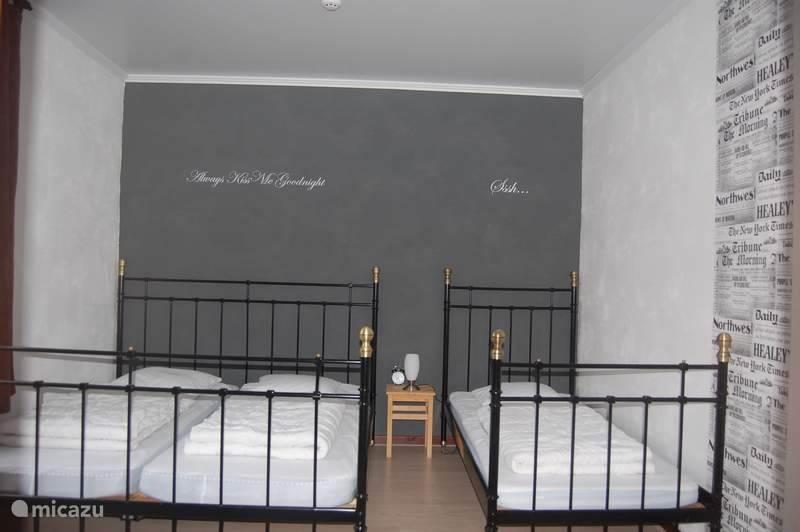 Eén van de zes slaapkamers