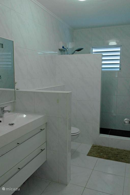 Shared bathroom bedroom 2 and bedroom 3, ground floor.