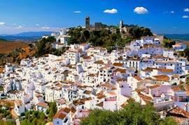 Easy access naar vele beroemde en karakteristieke Pueblos Blancos. Onder andere Ronda, Medina Sidonia en Vejer de la Frontera