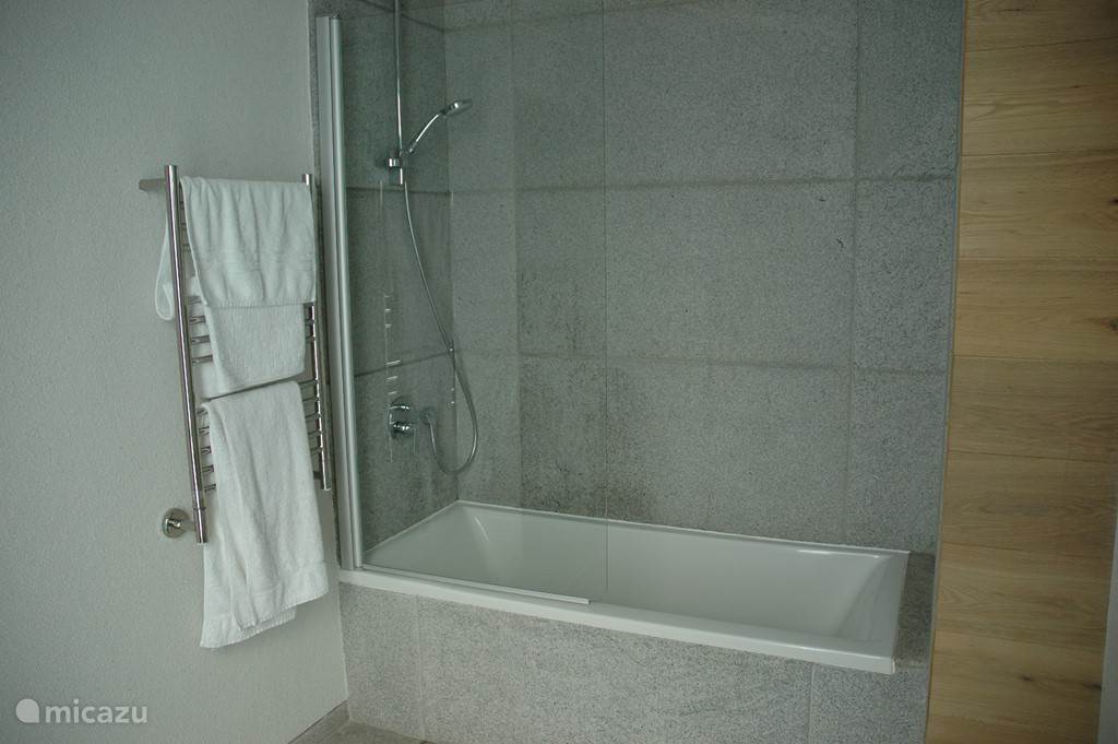 ensuite badkamer no. 2