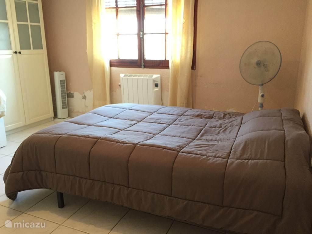 2 persoonsbed is ook beschikbaar