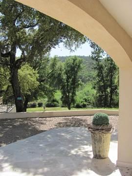 Villa begerie la fontaine in sainte maxime c te d azur frankrijk huren - Zwembad onder het terras ...