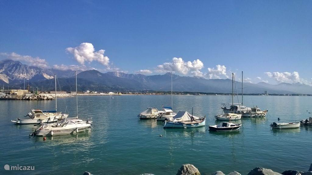 Carrara haven (6 km)