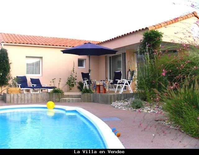Te huur vanaf 26 aug villa met zwembad in Les Sables d'Olonne (Vendee). Last Minute korting van €250,- per week. Huurprijs nu € 1245, incl. 4 fietsen.