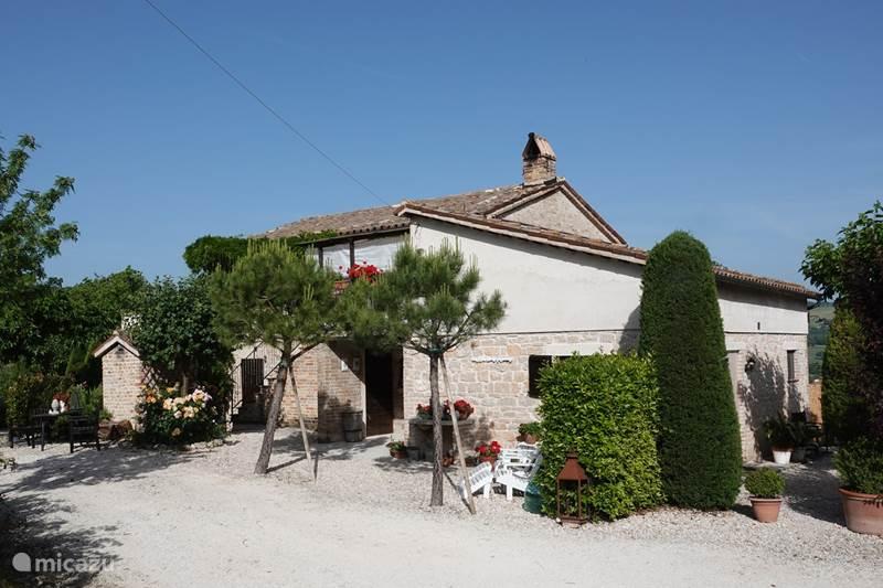 Vakantiehuis Italië, Marche, Arcevia Appartement Rosa nel Pozzo, Appartement Sole