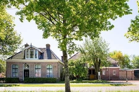 Vakantiehuis Nederland, Friesland, Wijnjewoude - landhuis / kasteel Heerlijk gezinshuis, langere periode