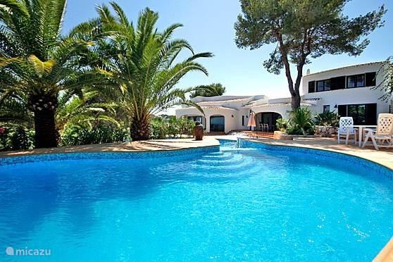 villa ancla met zwembad
