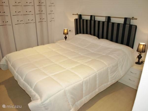 Hoofdslaapkamer mert dubbel bed