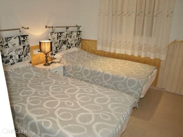 Tweede slaapkamer met 1 persoonsbedden