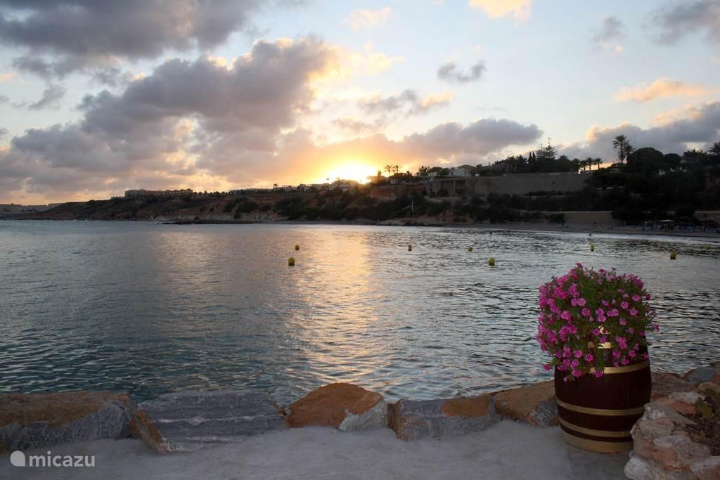 ondergaande zon in Cabo Roig