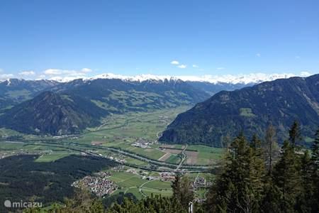 Uitzicht over het Inntal en Zillertal