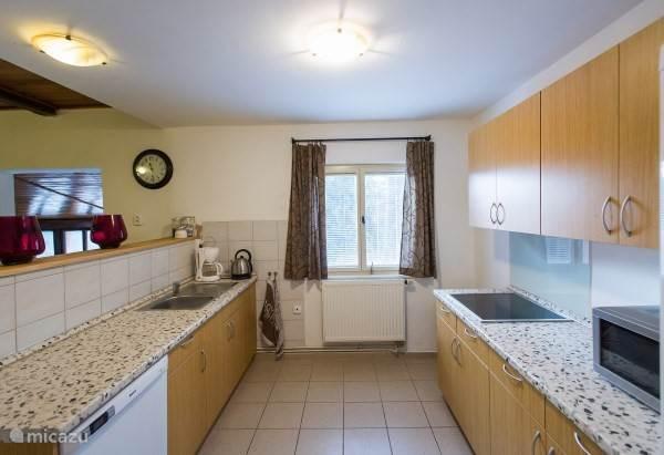 Keuken met alle benodigde apparatuur