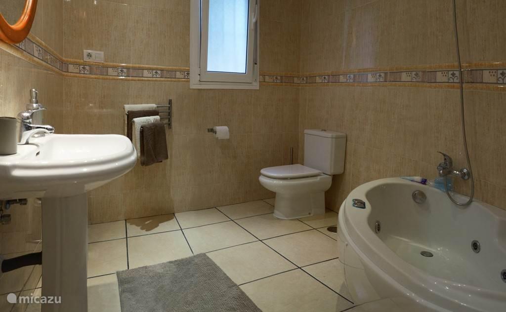 Luxe badkamer van appartement Las Estrellas