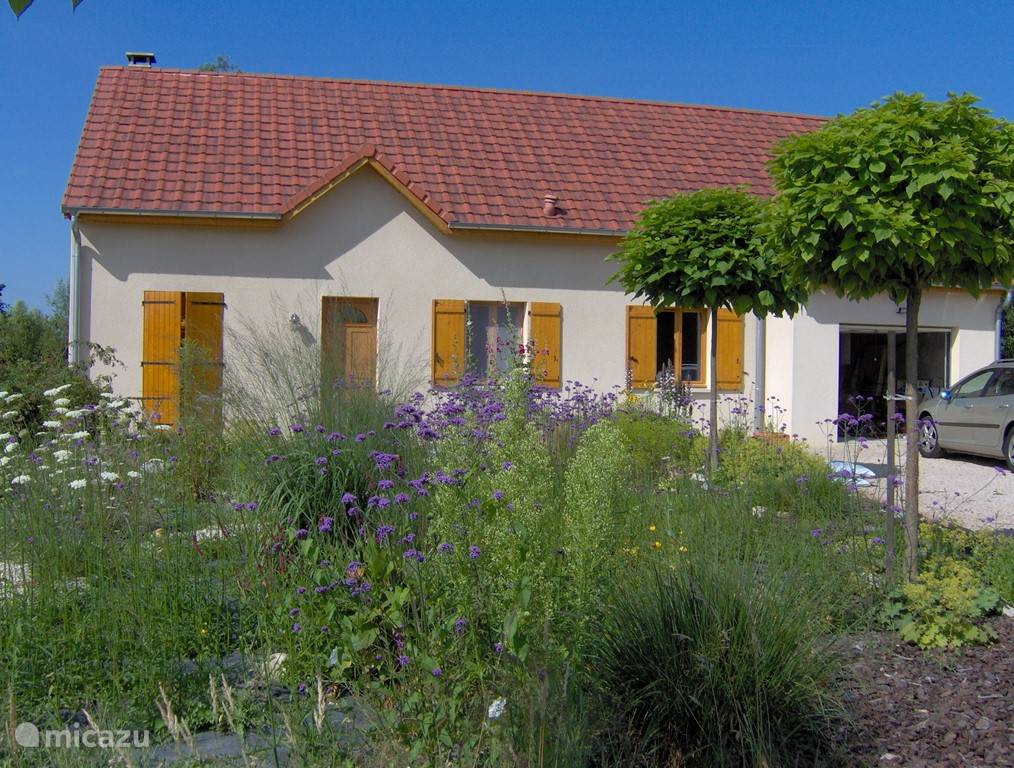 Vacation rental France, Burgundy, Frontenaud - holiday house Forest Residence