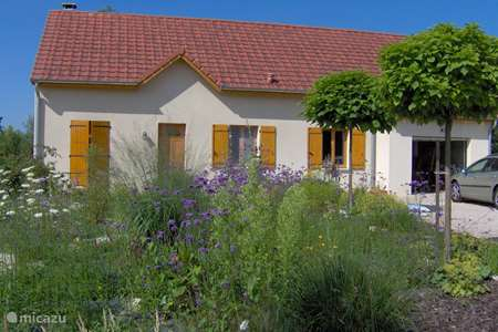 Vacation rental France, Saône-et-Loire, Frontenaud holiday house Forest Residence
