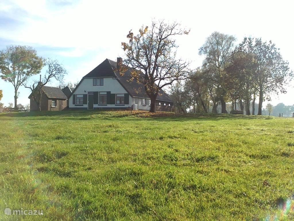 vooraanzicht van de boerderij