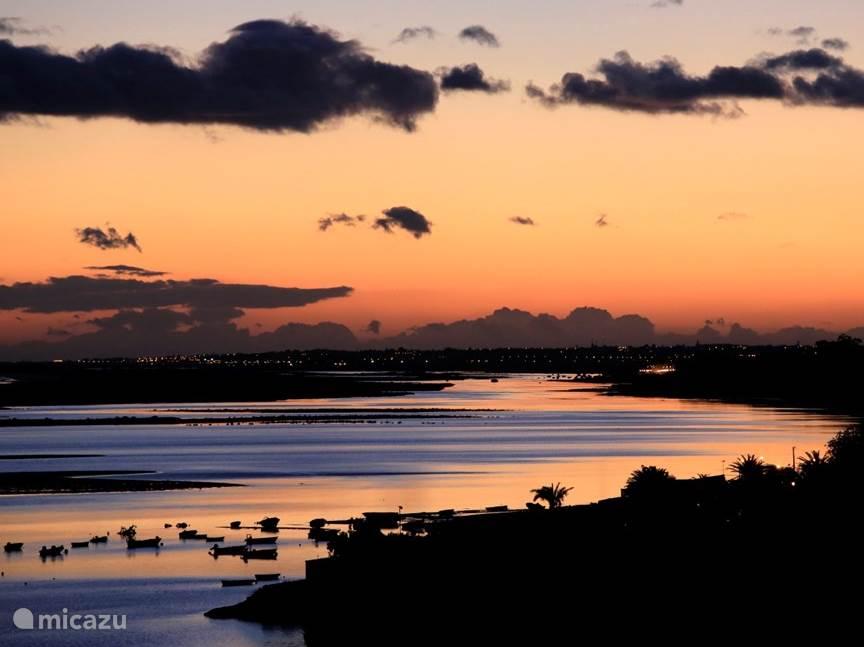 Zonsondergang bij Fabrica in januari