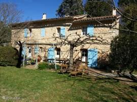 Villa mas des tuilieres in draguignan provence frankrijk huren - Provencaalse terras ...