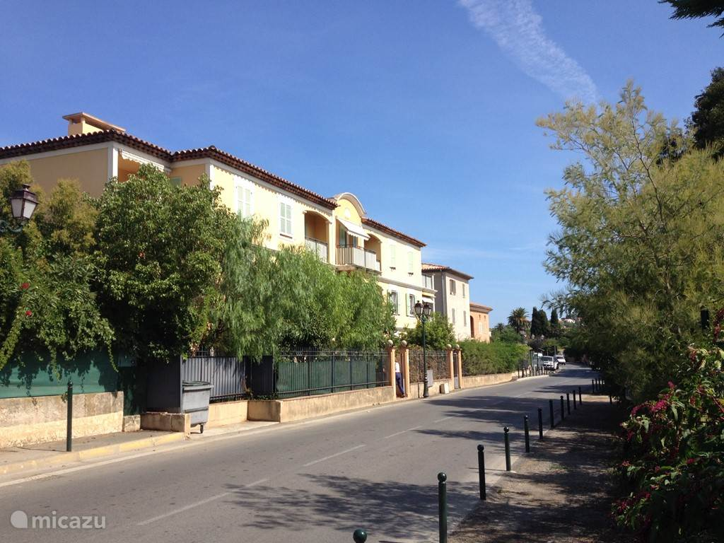 Vacation rental France, French Riviera, Saint-Tropez apartment Les Pastourelles