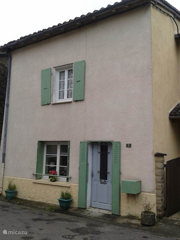 Vacation rental France, Charente, Ansac-sur-Vienne terraced house le vieux moulin