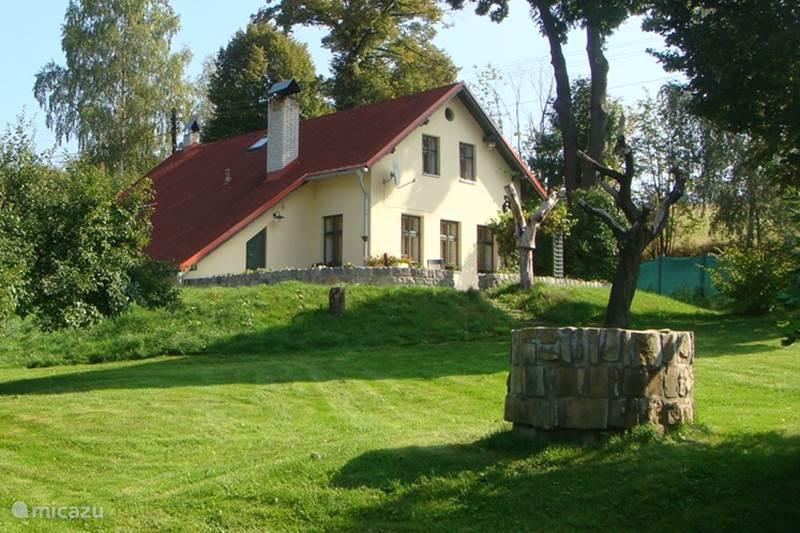 Vacation rental Czech Republic, Giant Mountains, Rtyne v Podkrkonosi Manor / Castle Country house Rtyne