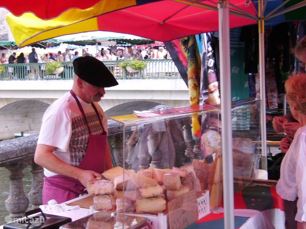 Markt in Brantome.
