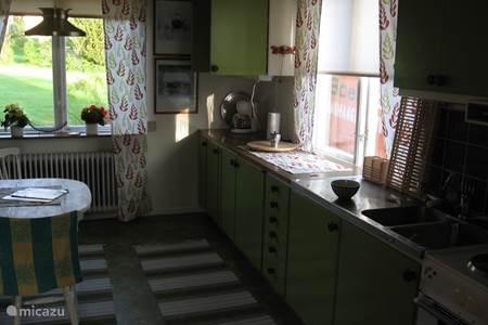 Rent holiday house krakviken bengtfors in bengtsfors v sterg tland sweden micazu - Tafel stockholm huis ter wereld ...