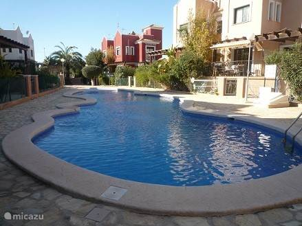 Rent a holiday house holiday villa la farola 5 in for Iceland torrevieja
