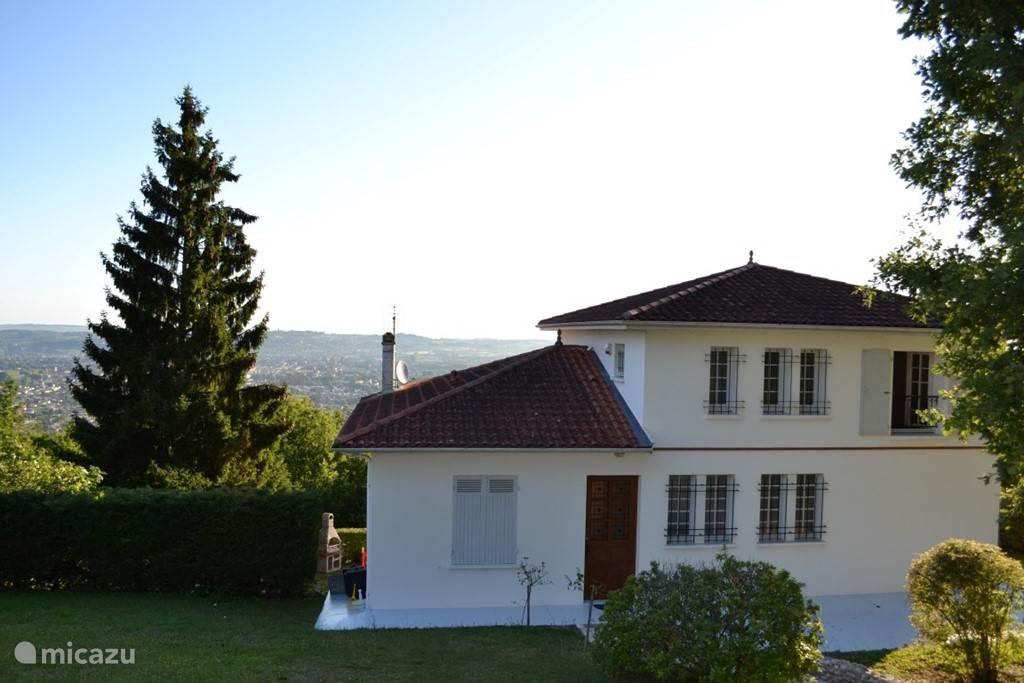 Vacation rental France, Midi-Pyrenees, Pujos villa Rocaille