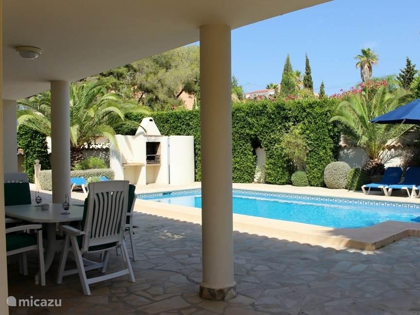 Heerlijk genieten van het Spaanse klimaat, zowel in- als uit de zon