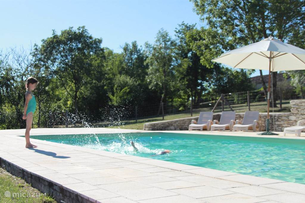 The pool. We even have two! Dimensions: 11m x 5m, depth: 1.10 - 2.00m. With comfortable seating and sun loungers, umbrellas and shady spots. On a shady spot beside the pool between some trees you can daydream in a hammock.