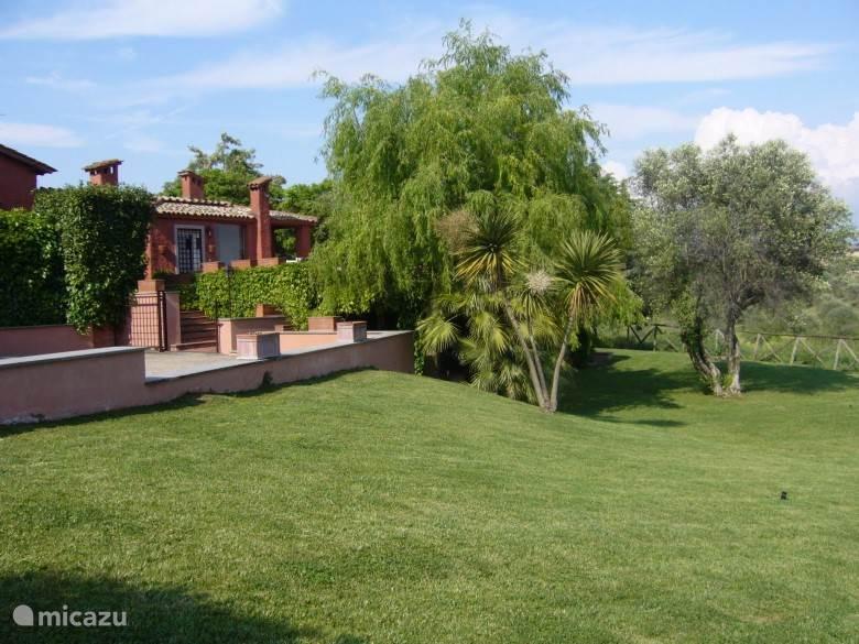 Vacation rental Italy, Rome – villa Casale Romano